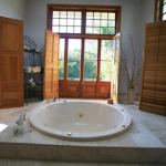 best Shepparton bed gourmet breakfast luxury spa suite hurlstone homestead bathroom spa tub